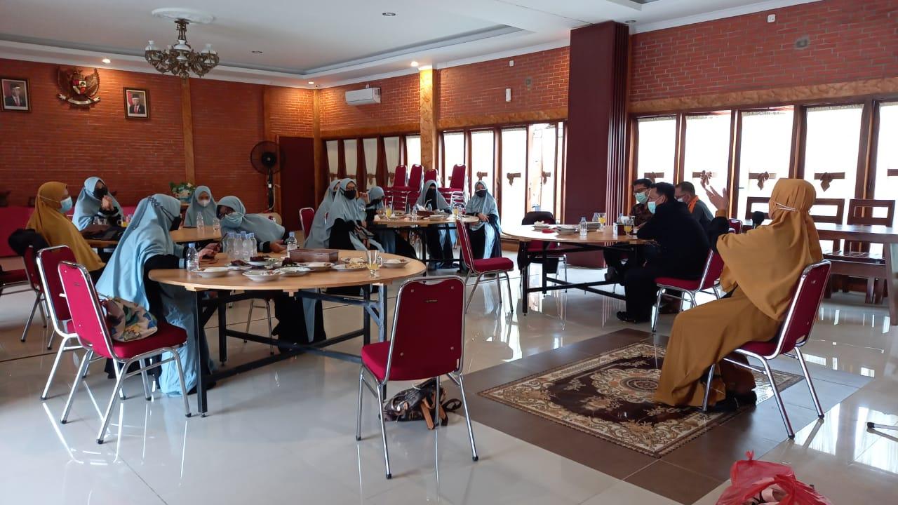 Pelepasan Komite SD Al Irsyad 01 Purwokerto